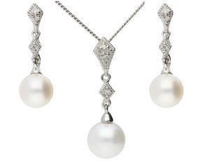 9ct White Gold Pearl & Diamond Pendant & Earrings Jewellery Set