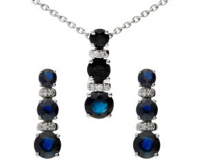 18ct White Gold Sapphire & Diamond Earrings & Pendant Jewellery Set