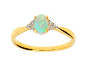 18ct Yellow Gold 0.35ct Opal & Diamond Ring