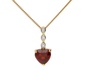 9ct Yellow Gold Garnet Heart Pendant