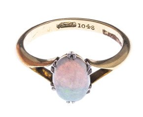 Vintage 18ct Yellow Gold 0.65ct Opal Solitaire ring.