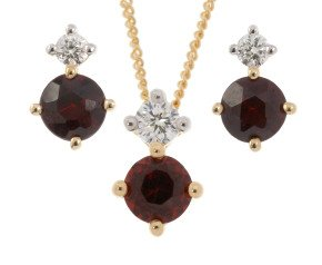 9ct Yellow Gold 0.75ct Garnet & 0.20ct Diamond Pendant & Earrings Jewellery Set