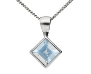 9ct White Gold 0.60ct Aquamarine Solitaire Pendant
