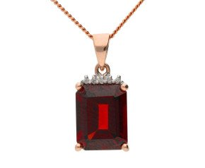 9ct Rose Gold 2.80ct Garnet & Diamond Fancy Pendant