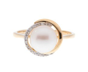 9ct Yellow Gold Cultured Pearl & Diamond Dress Ring
