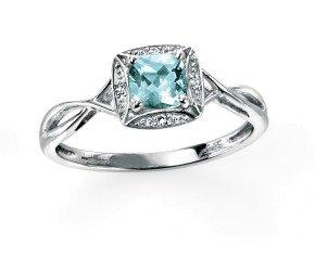 9ct White Gold Aquamarine & Diamond Dress Ring