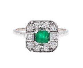 0.42ct Emerald & Diamond Ring