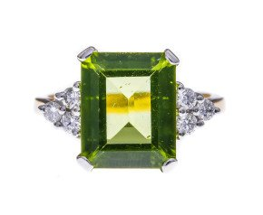 18ct Gold 4.03ct Peridot & Diamond Dress Ring