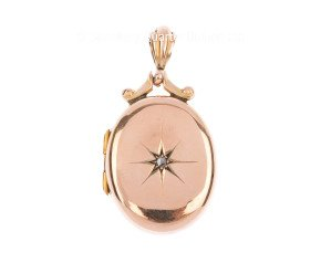 Antique Edwardian 9ct Yellow Gold Diamond Locket
