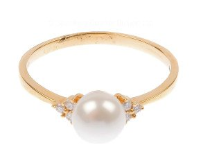 18ct Gold Pearl & Diamond Ring