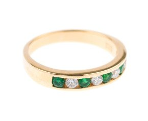 18ct Gold 0.22ct Emerald & Diamond Half Eternity Ring