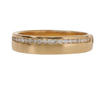18ct Gold 0.11ct Diamond Off-Set Band